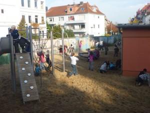 Schulhof-1