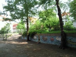 Schulhof 4 v